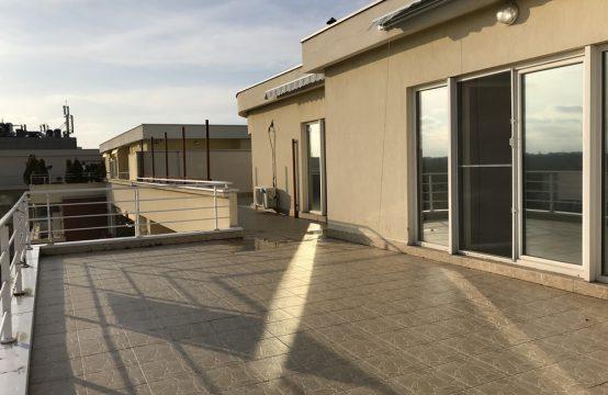 Apartament 4 camere cu terasa lux si luminos Nord (id 15079)