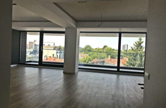 Apartament 3 camere, cu terasa, luminos, zona Aviatorilor