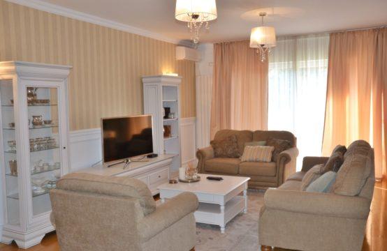 Villa située dans un complexe résidentiel, zone Iancu Nicolae
