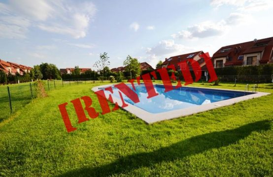 Villa located in a residential complex with swimming pool, Pipera area