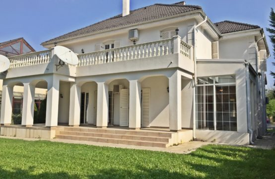The bright and spacious villa, located in the Iancu Nicolae area
