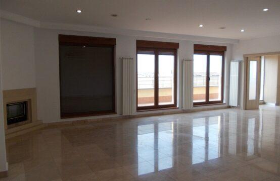 Penthouse lumineux et spacieux avec terrasse, zone Herastrau (id run: 10370)