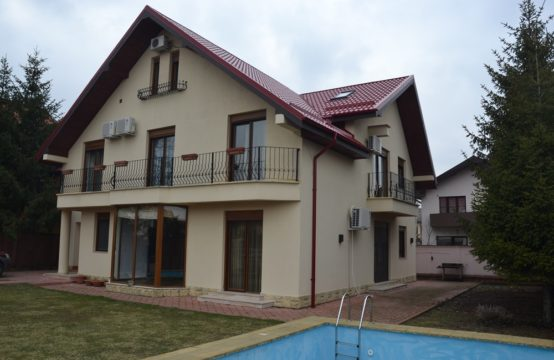 Bright and spacious villa with swimming pool, Iancu Nicolae area