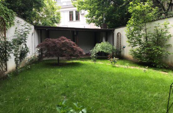 Villa neuve avec sa propre cour, zone Calea Victoriei (id run: 6611)