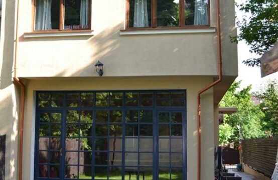 Vila cu curte proprie, moderna, renovata, zona Domenii