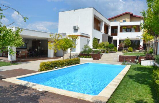 Villa de luxe, avec piscine, terrain généreux, région de Pipera (id run: 15771)