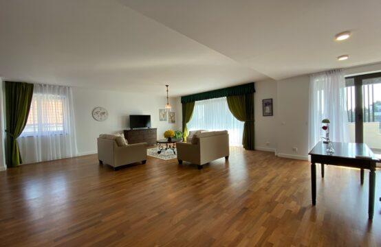 Apartament de lux, 4 camere, cu terasa, zona Primaverii