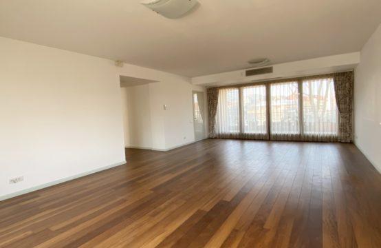 Apartment 4 rooms, terrace, 2 parking spaces, Kiseleff