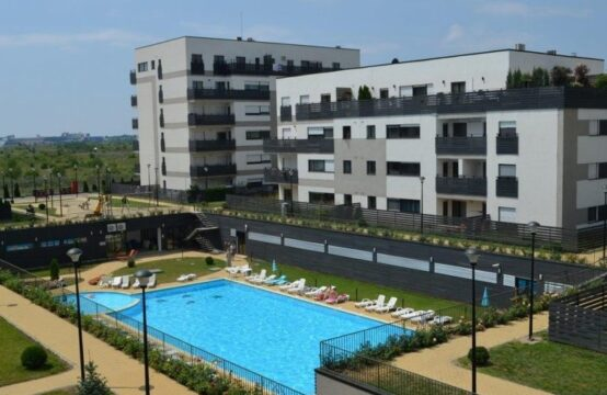Apartament 3 camere situat in complex cu piscina, Baneasa