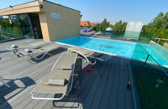 Appartement 4 pièces, immeuble avec piscine sur le toit, quartier Aviatorilor (id run: 11883)