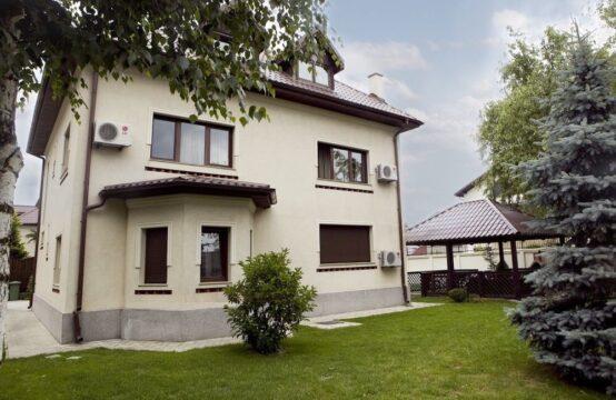 Villa de luxe, avec cour généreuse, quartier Baneasa (id run: 6740)