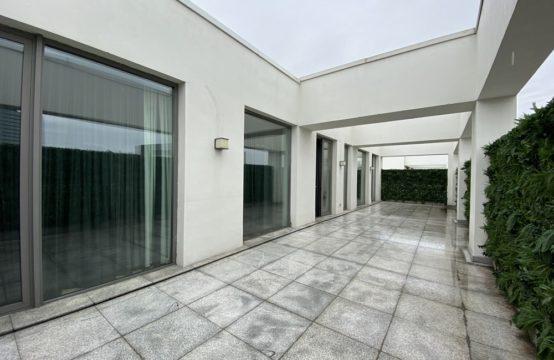 Penthouse de luxe, avec terrasse, 4 chambres, quartier de la place Victoriei (id run: 16698)