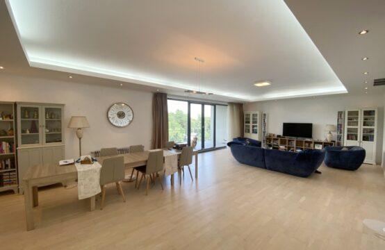 Apartament de lux, 4 camere, cu terasa, zona Floreasca