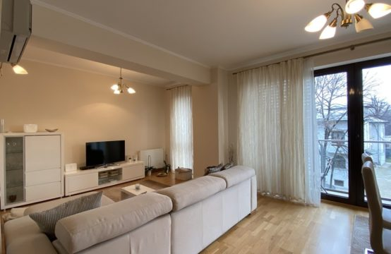 3 rooms apartment, with balcony and parking, Piata Victoriei area