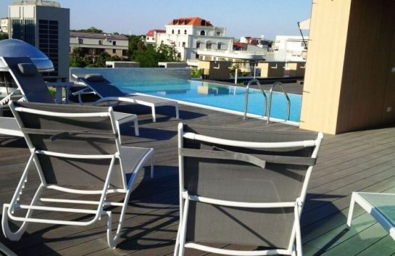 4-room apartment, building with rooftop pool, Aviatorilor area