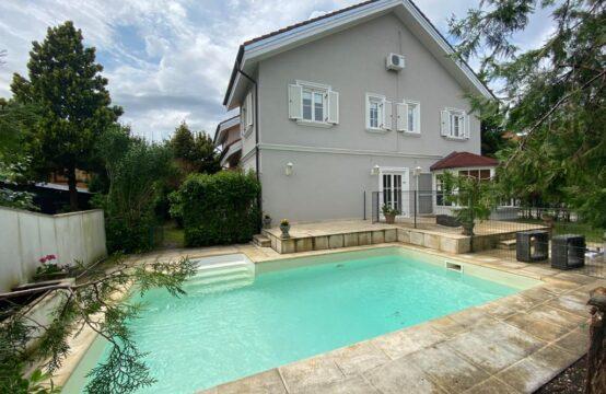 Villa avec piscine, lumineux et spacieux, complexe résidentiel, Iancu Nicolae (id run: 7980)