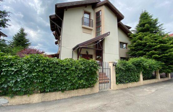 Villa with generous garden, Iancu Nicolae area
