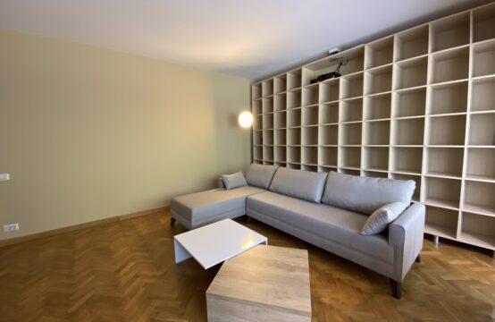 Apartament 3 camere, mobilat, cu terasa si parcare, zona Cismigiu