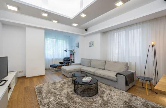 Appartement 5 pièces, meublé, quartier Primaverii (id run: 16005)