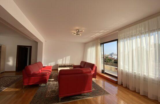 Appartement 3 pièces, avec terrasse, quartier Aviatorilor (id run: 17041)