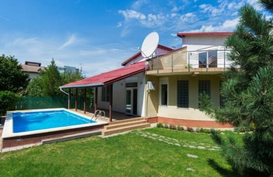Villa with individual pool, bright and spacious, Iancu Nicolae area