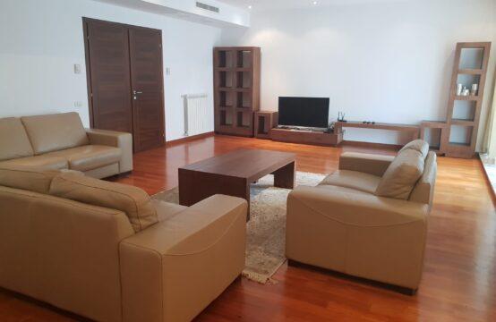 Appartement 4 pièces, meublé, avec terrasse, parking, zone Aviatorilor (id run: 13475)