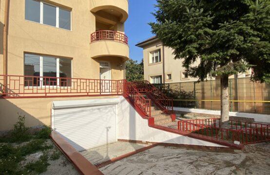 Generous and bright villa, quiet area, Domenii area