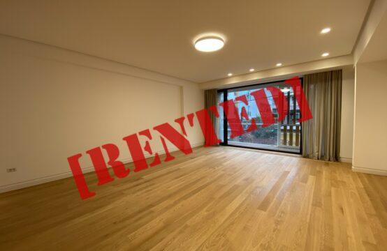 Apartament 4 camere de lux cu terasa, 2 locuri de parcare si boxa, Aviatorilor