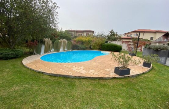 Luxury villa with pool and generous land, Pipera area