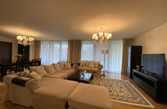 Luxury 4-room apartment, with terrace and storage room, block with permanent security