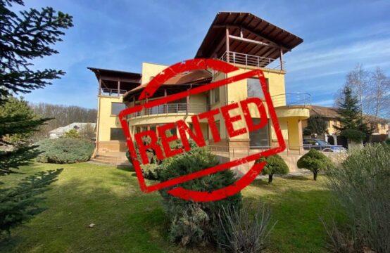 Villa spacieuse, située sur un terrain de 2000 m2, quartier Iancu Nicolae (id run: 17003)