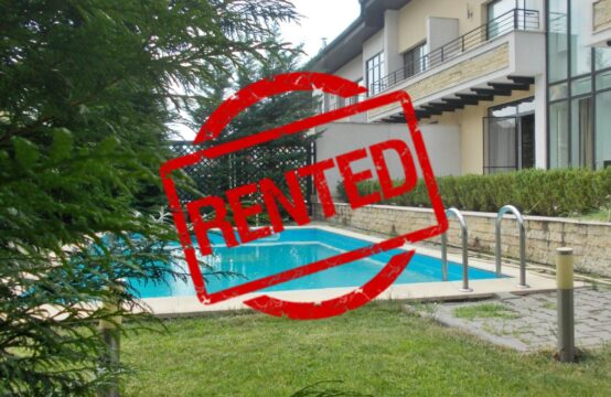 Villa avec piscine située dans un complexe résidentiel, quartier Iancu Nicolae (id run: 17439)