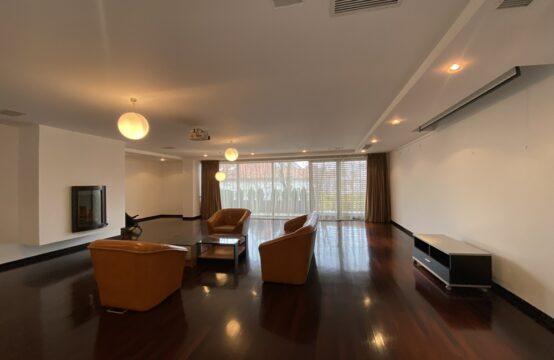 Appartement 4 pièces, spacieux, avec 2 terrasses, 2 parkings, quartier Dorobanti Capitale (id run: 17435)