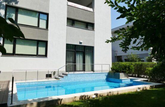Villa avec piscine et propre cour, zone Nordului – Herastrau Park (id run: 10952)