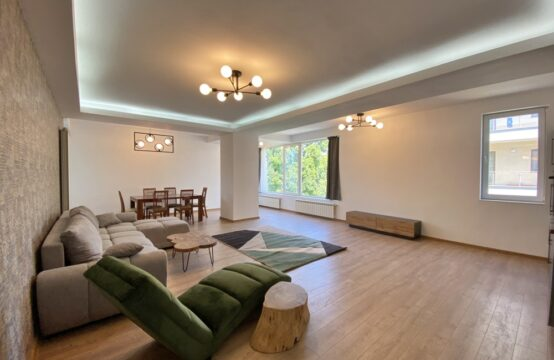 4-room apartment, furnished, with terrace, parking space and