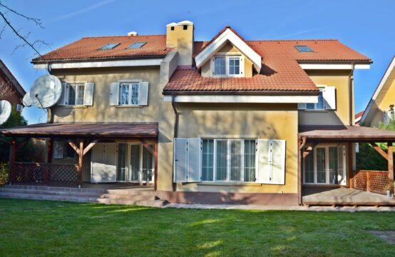 Villa avec cour généreuse, complexe résidentiel, quartier Iancu Nicolae (id run: 14344)